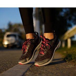 Vionic women's shoes, US 6.5